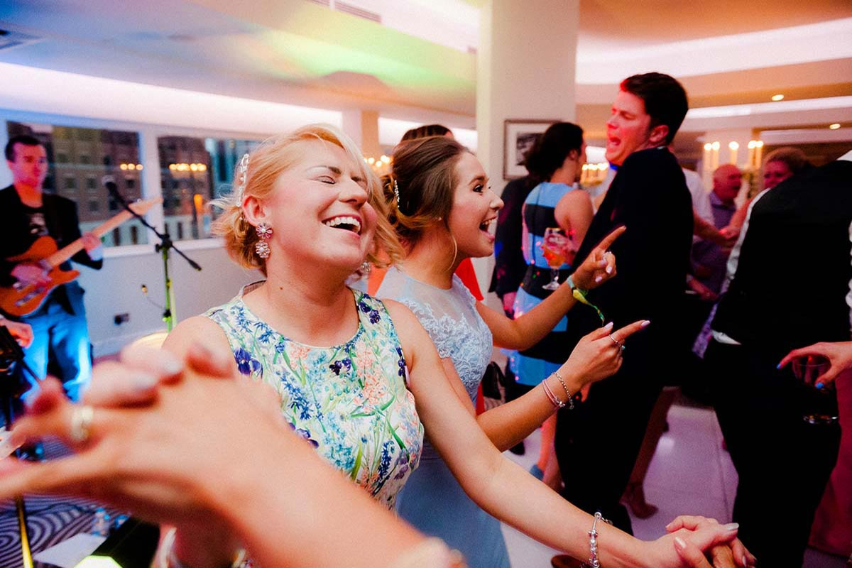 Live Wedding Band Slinky | Rock Pop and Indie Wedding Band | The audience enjoying a dance at a wedding reception
